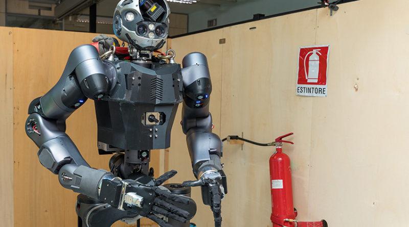 ربات آتشنشان